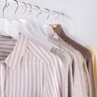 Правила стирки рубашек вручную: алгоритм действий для белых и цветных вещей