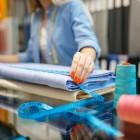 Чем полиуретан отличается от полиэстера? Какой материал выбрать для верхней и повседневной одежды?
