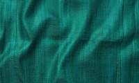 Чесуча — редкая натуральная материя, изготовленная из дикого шелка. Для комфортных красивых нарядов