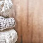 На какие виды делятся одеяла из овечьей шерсти и как правильно их стирать?