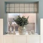 Как украсить римскими шторами балкон, гостиную и кабинет. 192 фотографии разных идей