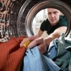 Можно ли стирать парку в стиральной машине-автомат? Как это правильно сделать, чтобы не испортить куртку?