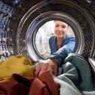 Как легко и быстро отчистить пальто из полиэстера в домашних условиях? Стирка в стиральной машине