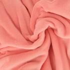 Флис — утепленная синтетическая материя с ворсистой поверхностью. Достойный конкурент шерстяным изделиям