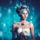 Простой, но красочный костюм Снежной Королевы. Инструкция по изготовлению наряда и нанесению макияжа