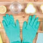 Нашатырный спирт — универсальное чистящее средство для тканей всех видов, ковров, меха, кожи, замшевых изделий
