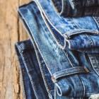 Как быстро высушить джинсы после стирки, не используя автоматические сушилки?