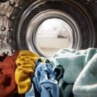 Как правильно выстирать пальто из различных материалов в стиральной машине?