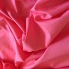 Батист: легкость и воздушность. Как сохранить красоту и яркость цвета ткани?