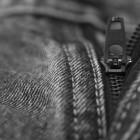 Как постирать черные джинсы так, чтобы они не линяли и не теряли цвет?