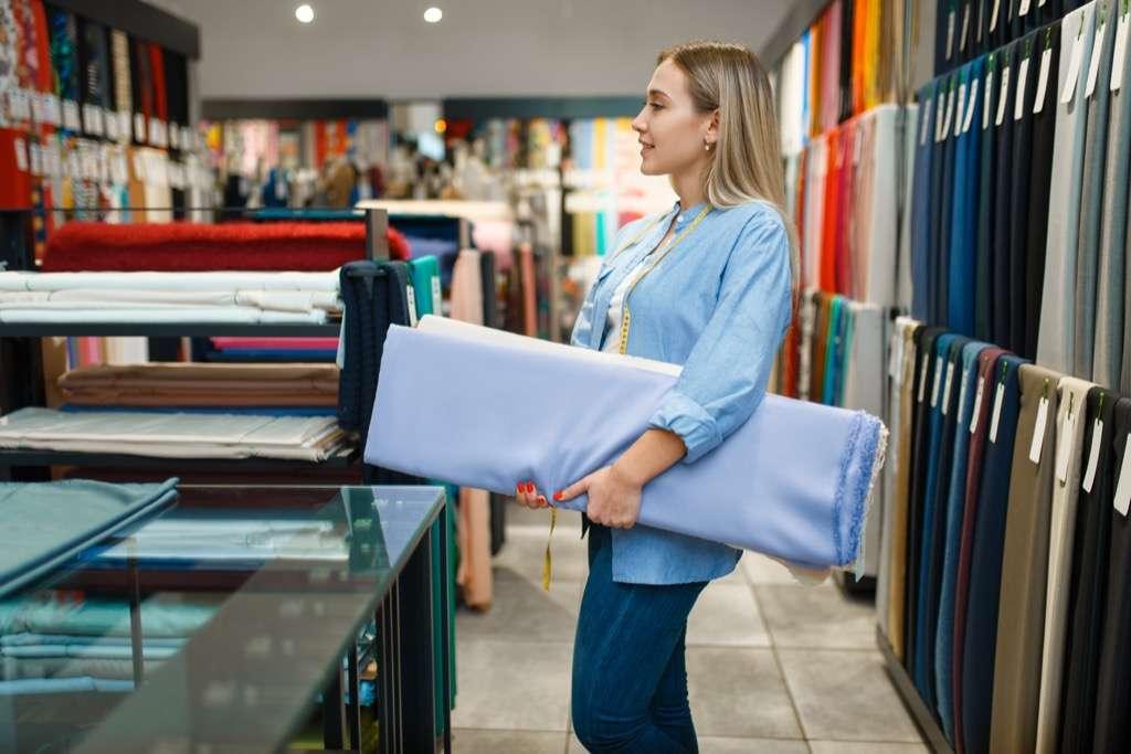Можно ли вернуть ткань в магазин, если она была надлежащего качества, с дефектами или куплена в интернет магазине